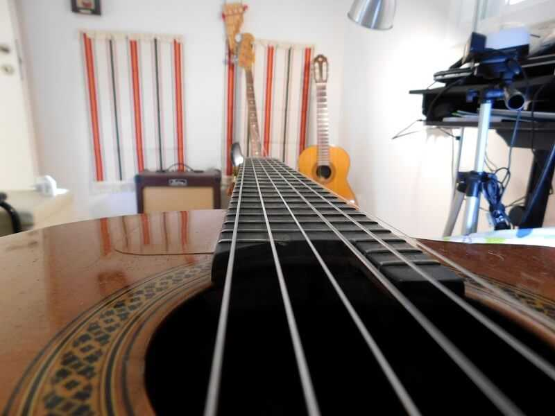 איך לבחור גיטרה למתחילים?